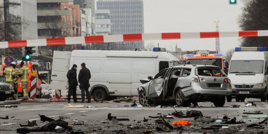 Almanya'da otomobilde patlama: 1 ölü