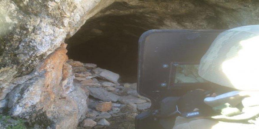 Komandolar mağaralara böyle girdi