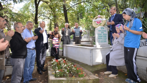 Amigo Yaşar dualarla anıldı