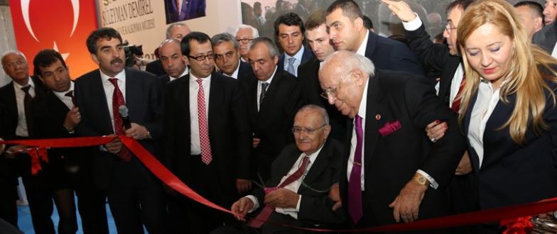 Demirel Müzesi kapılarını açtı