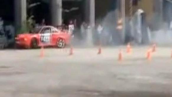 Drift yarışında kaza: Küçük çocuk ağır yaralı