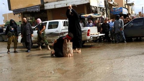 IŞİD bu sefer çocukları infaz etti