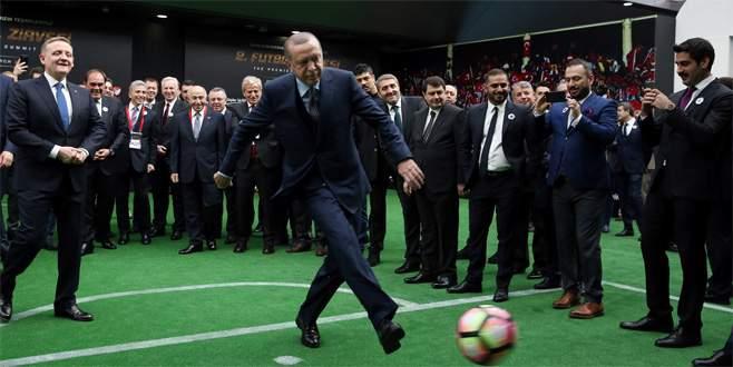 Erdoğan'dan Fransız efsaneye penaltı golü