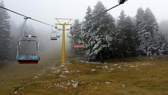 Uludağ`a kar yağdı