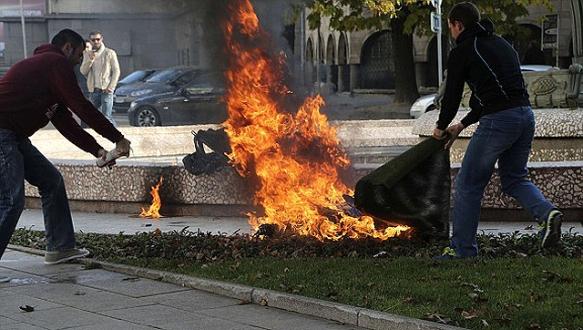 38 yaşındaki kadın kendini ateşe verdi