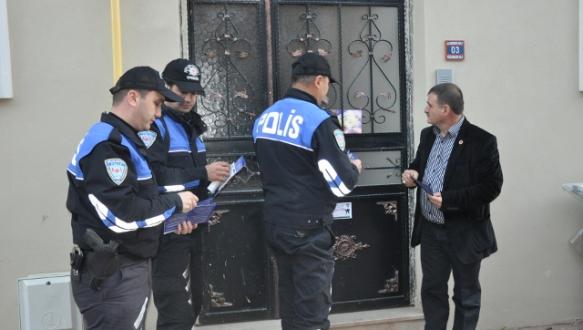 İznik polisi hırsızlara karşı broşür dağıttı