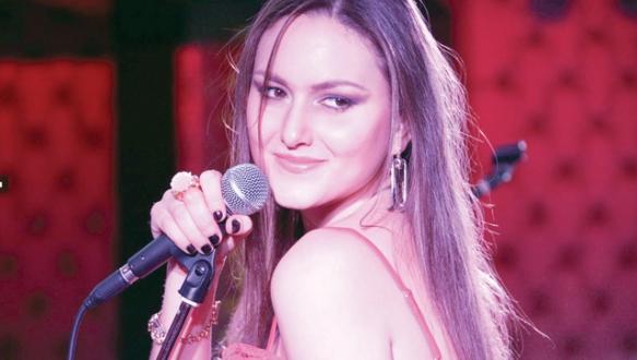 Eurovision`da bir Türk kızı