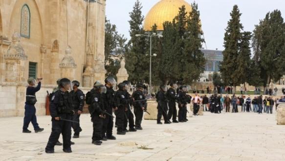 İsrail`den 35 yaş altına yasak