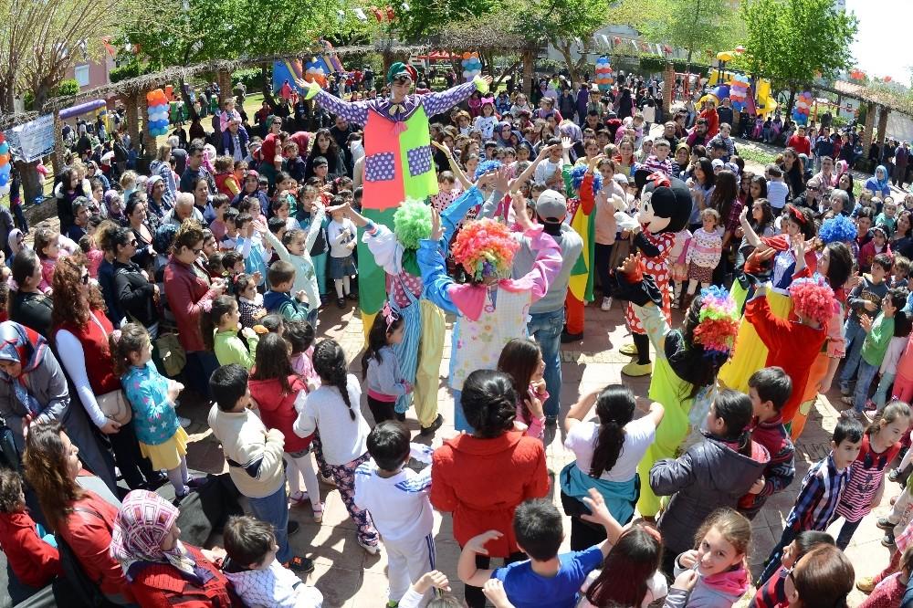 Muratpaşa'da 23 Nisan Coşkusu