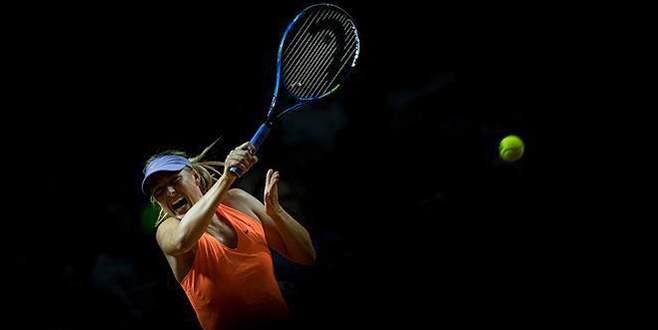 Sharapova'dan erken veda