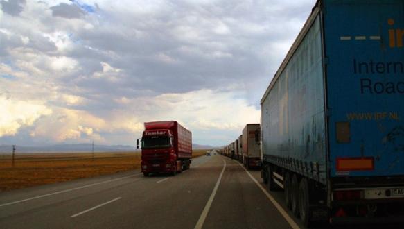 İran sınırında TIR trafiği azaldı