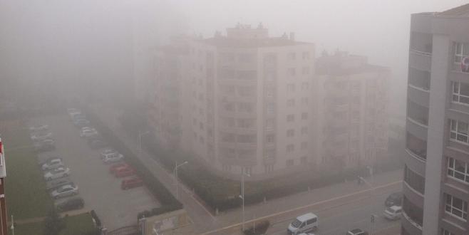 Bursa`da sis hayatı olumsuz etkiledi