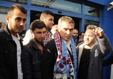 Ersun Yanal Trabzon`a geldi