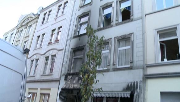 Almanya`da yangın: 5 Türk ölümden döndü