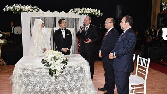 Hakan Fidan`ın oğlu evlendi