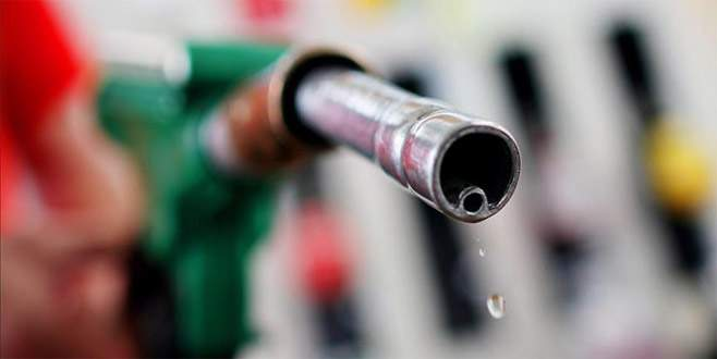 Suudi Arabistan'da benzine yüzde 127 zam