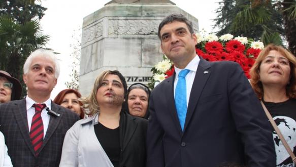 `Türkiye seçim barajı ayıbından kurtulmalı`