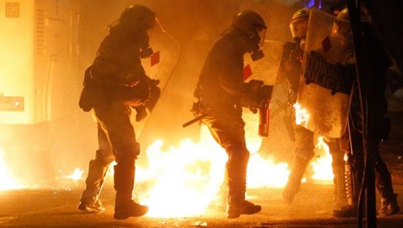 Atina`da olaylı gece