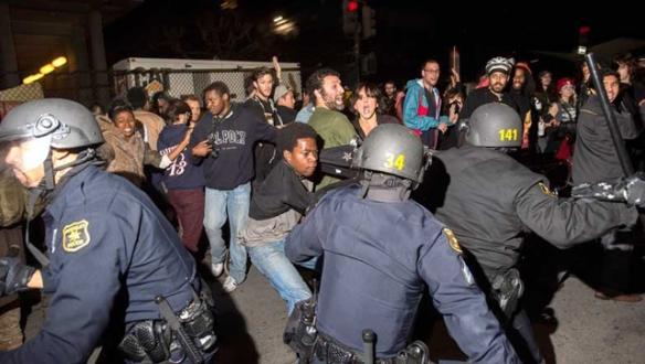 Amerikan polisine tepki sürüyor