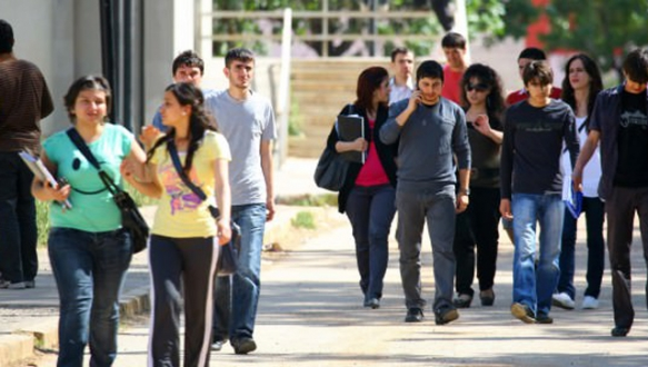 Üniversite öğrencisine 12 bin lira burs