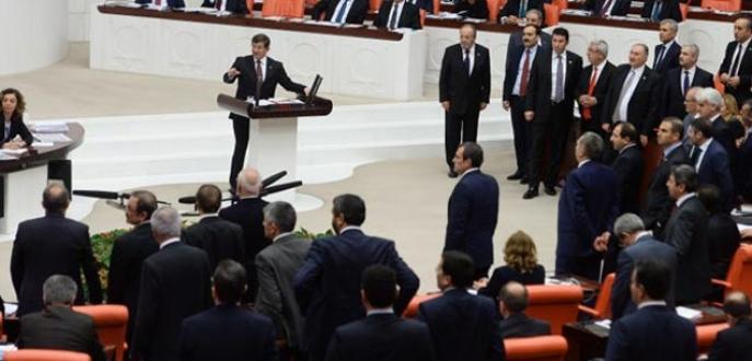 Meclis'te bütçe düellosu