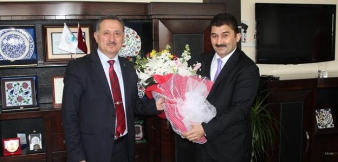 BTÜ'de yeni rektör Karademir görevde