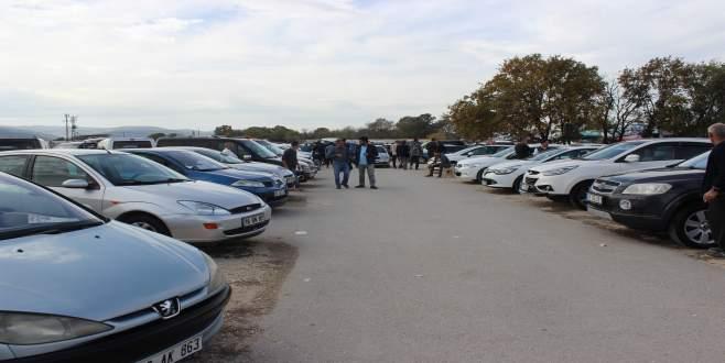 Akaryakıt zamları Bursa'da ikinci el otomobil satışlarını da vurdu