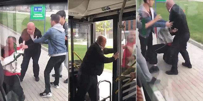 Şoför, yolcuyu otobüsten zorla indirdi