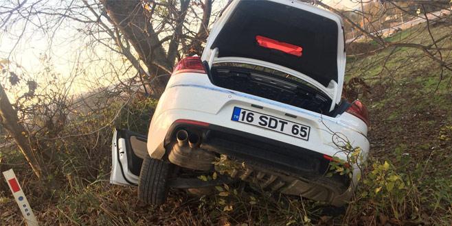 Dur ihtarına uymayan araç kaza yaptı