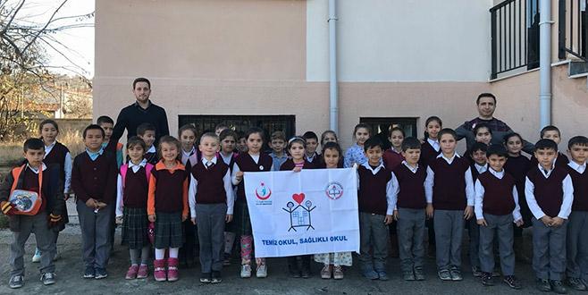 Orhaneli'nde iki okula Beyaz Bayrak
