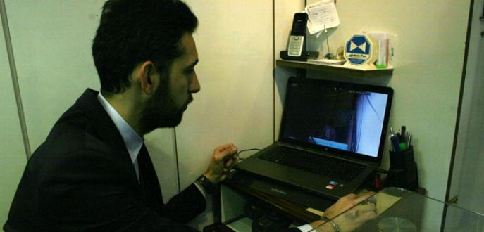 Bursa'da apartman fareleri güvenlik kamerasına yakalandı