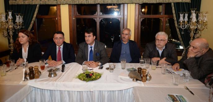 Bulgar gazetecilere projelerini anlattı