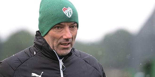 Bursaspor Teknik Direktörü Le Guen, hastaneye kaldırıldı