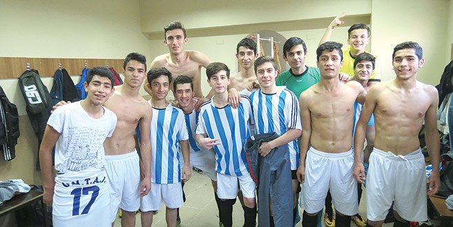 Gemlik Meslek 6 golle final grubunda