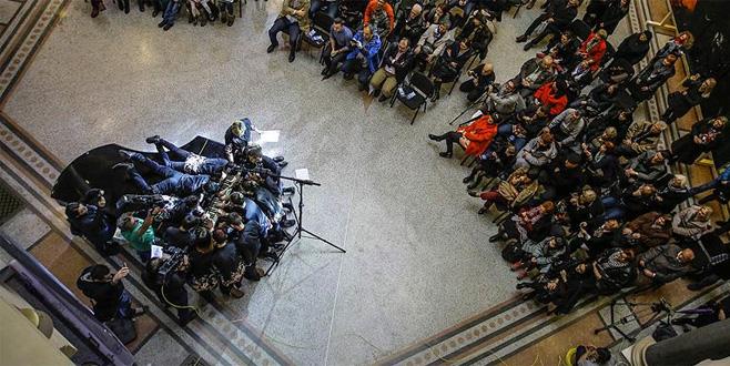 20 kişi 1 piyanoyla rekor kırdı