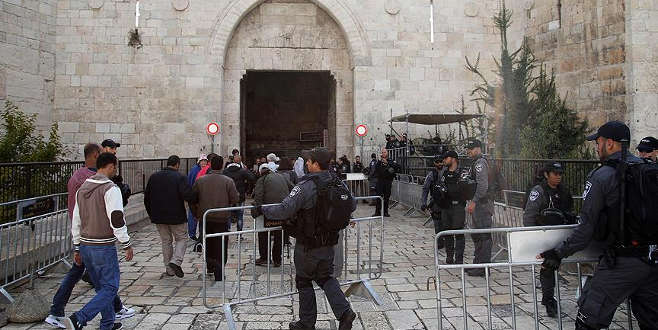 İsrail Kudüs'ün ana giriş kapısına bariyerler yerleştirdi