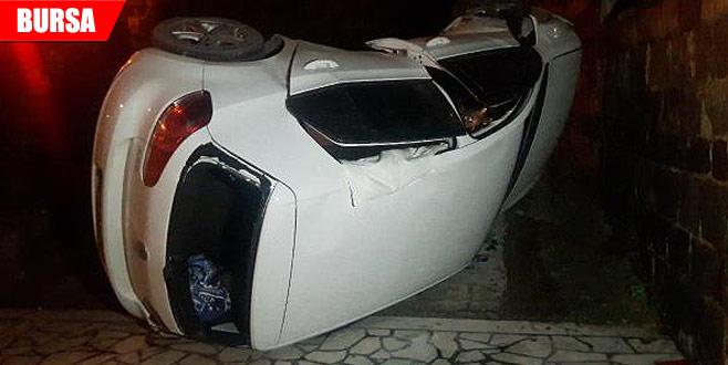 Takla atan otomobil, okul bahçesine düştü