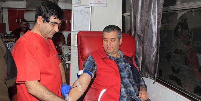 Kan bağışınailgi artıyor