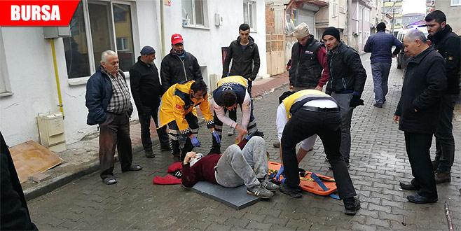 İnşaattan düşen Suriyeli işçi yaralandı