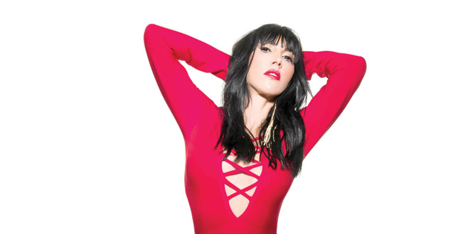 Hande Yener'den sürpriz single