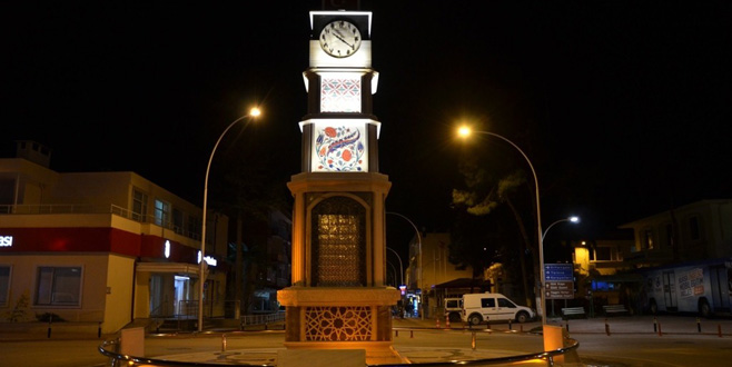 İznik'e çinili saat kulesi