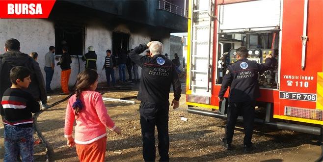 Tekstil atölyesindeki yangın korkuya neden oldu