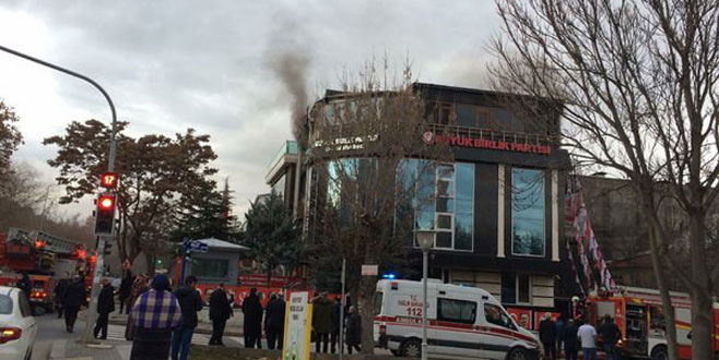 BBP Genel Merkezi'nde yangın çıktı!