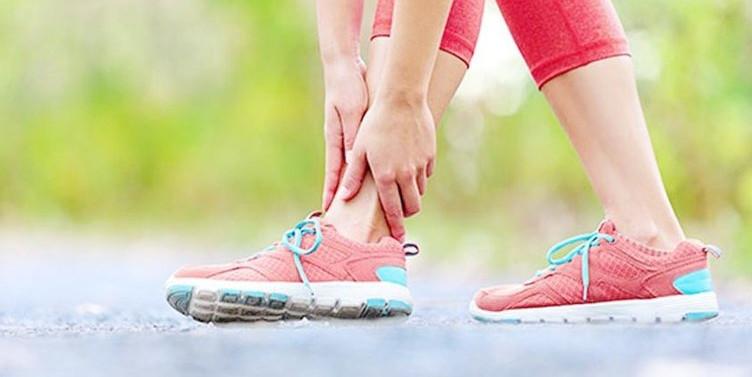 Yanlış ayakkabı seçimi ağrı nedeni!