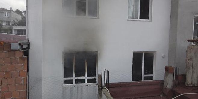 Ev sahibine kızıp daireyi ateşe vermiş