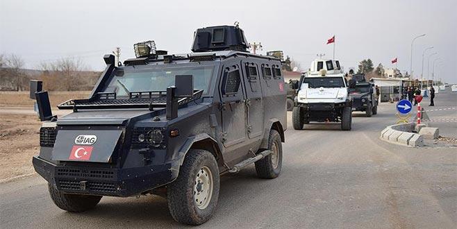 Suriye sınırında 'güven konvoyu'