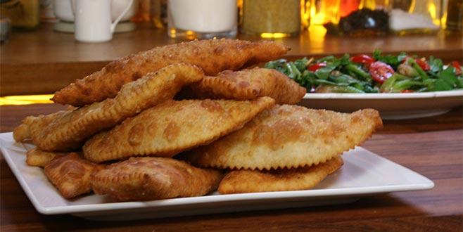 Tatarlarının dünyaya yaydığı lezzet: Çiğ börek