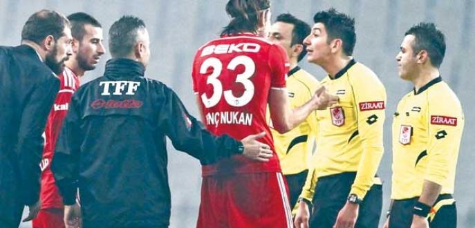 Beşiktaş'ı üzdü Bursaspor maçındaki görevinden oldu!