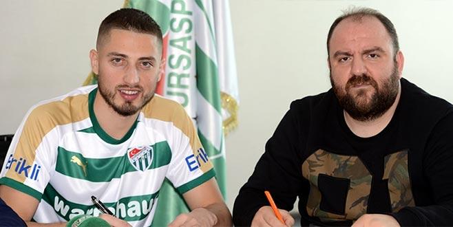 Gheorghe Grozav imzaladı