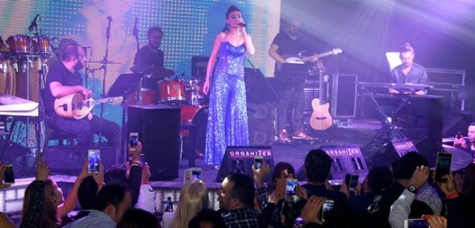 Yıldız Tilbe'den Bursa'da müzik ziyafeti